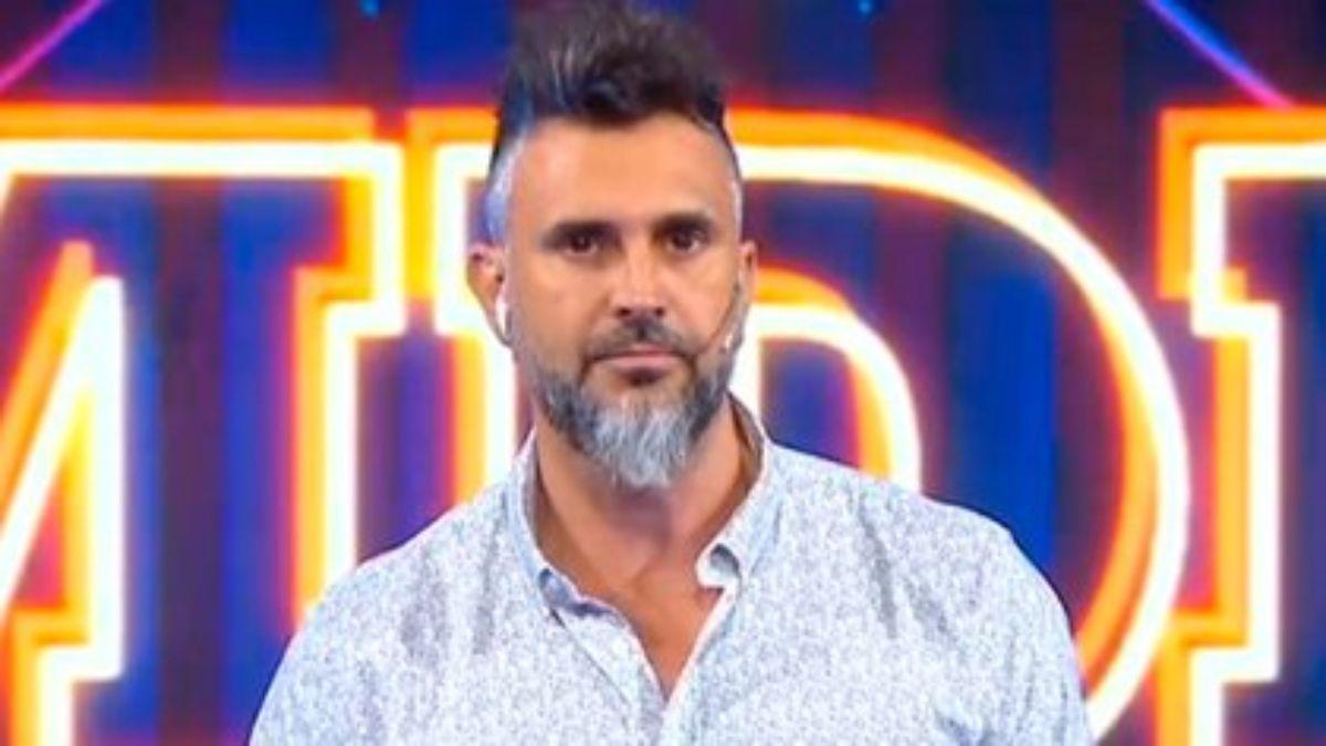 Leo Montero se disculpó al aire por la inadecuada pregunta del femicidio en Mejor de noche